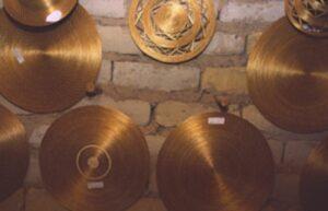Peças de Capim dourado expostas na associação de produtores da comunidade mumbuca. Fonte: Texto Mumbuca - Whatsapp